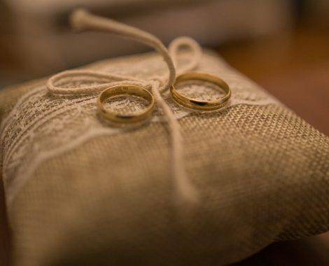prague-wedding-engagement-rings